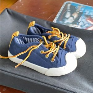 Boys casual sneakers